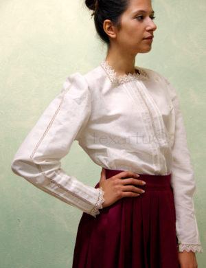 Blusa modelo Ikusi