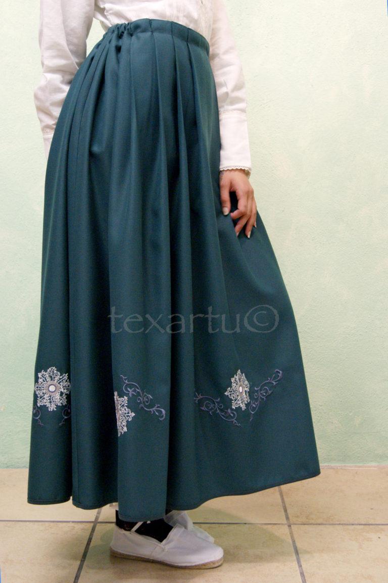 Falda modelo Atabal