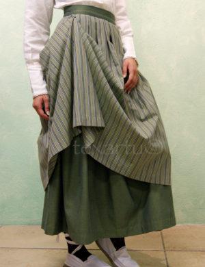 Falda modelo Aguadora